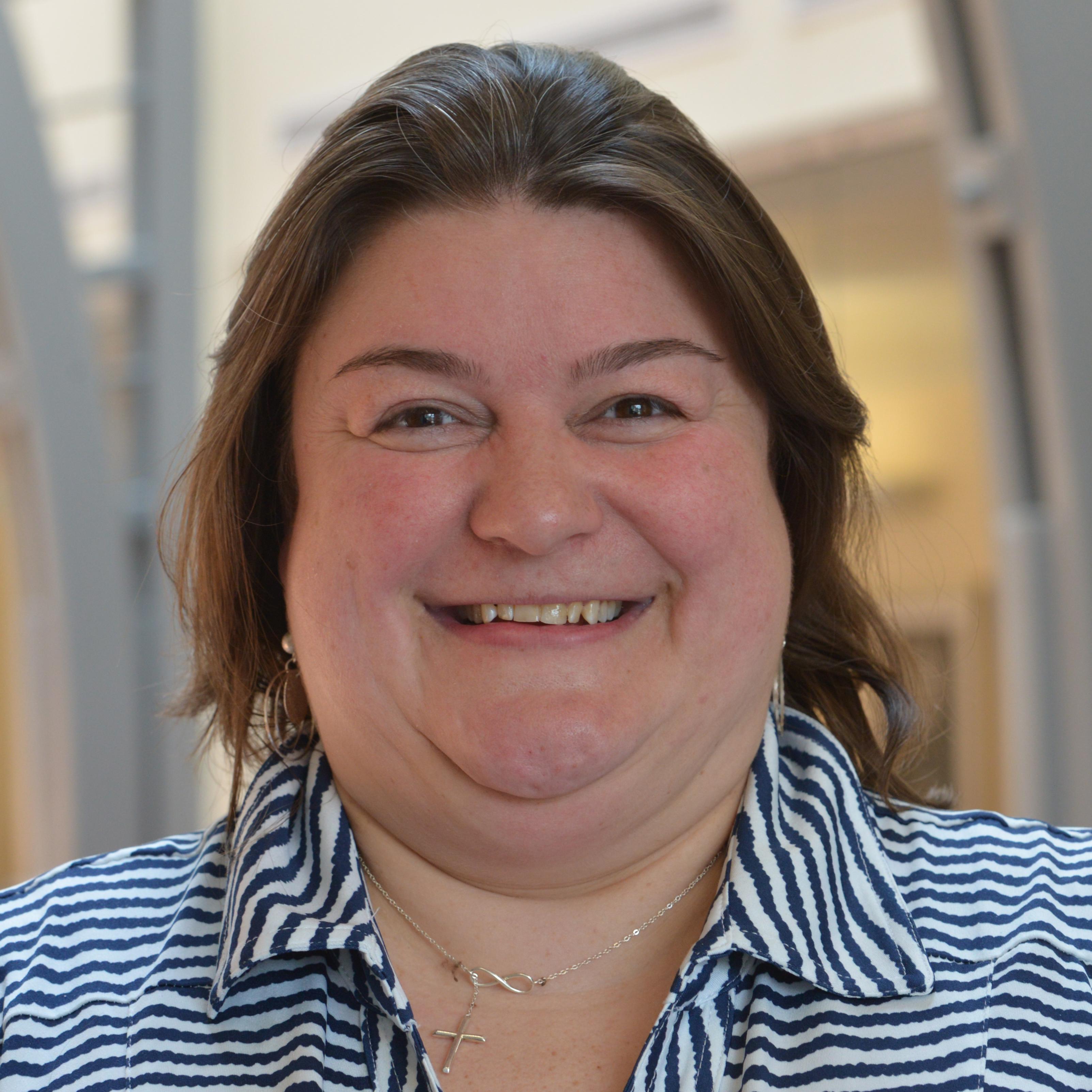 Jen Michno headshot